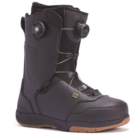 boots snowboard