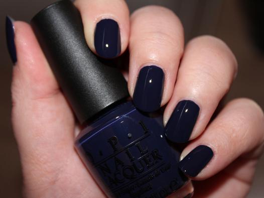 vernis bleu marine